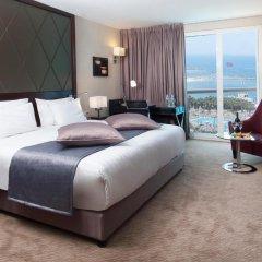 Отель Crowne Plaza Tel Aviv Beach комната для гостей фото 5