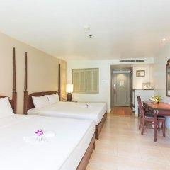 Отель Phuket Orchid Resort and Spa 4* Стандартный семейный номер с разными типами кроватей фото 8
