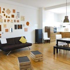 Five Elements Hostel Leipzig Стандартный номер с двуспальной кроватью (общая ванная комната) фото 3