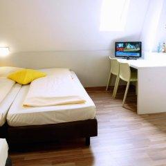 Colour Hotel 3* Стандартный номер с различными типами кроватей фото 2