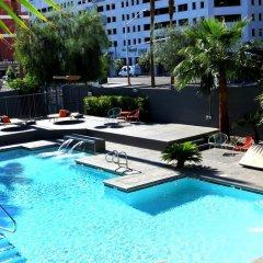 Отель Oasis at Gold Spike США, Лас-Вегас - отзывы, цены и фото номеров - забронировать отель Oasis at Gold Spike онлайн бассейн фото 2