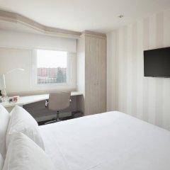 Отель NH Madrid Barajas Airport 3* Стандартный номер с различными типами кроватей фото 3