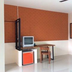 Отель Srisuksant Urban 3* Улучшенный номер с различными типами кроватей фото 2