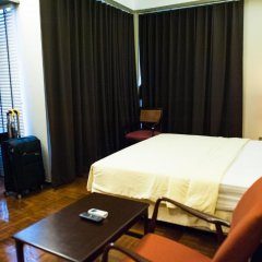 Отель Baan Silom Soi 3 2* Номер Делюкс с разными типами кроватей фото 14