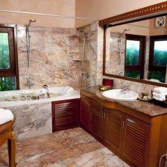 Отель Sandalwood Luxury Villas 5* Вилла с различными типами кроватей фото 5