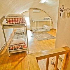 Отель Kimchee Hongdae Guesthouse Кровать в общем номере с двухъярусной кроватью фото 19
