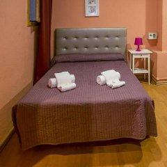 Отель Hostal Balmes Centro Стандартный номер с двуспальной кроватью фото 3