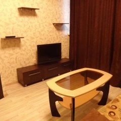 Апартаменты Турист Люкс комната для гостей