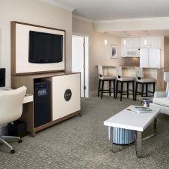 Отель Fontainebleau Miami Beach 4* Люкс с двуспальной кроватью фото 5
