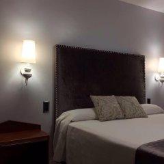 Отель Hostal la Carrasca комната для гостей фото 4