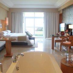 Отель Sheraton Sanya Resort 5* Улучшенный номер с различными типами кроватей фото 3