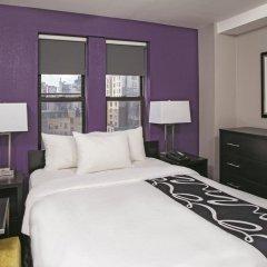 Отель La Quinta Inn & Suites New York City Central Park 2* Стандартный номер с двуспальной кроватью фото 4