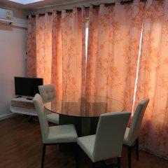 Отель Baan Somprasong Condominium удобства в номере
