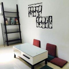 Отель Dd Guesthouse & Backpacker Кровать в общем номере фото 6