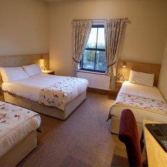 The Lucan Spa Hotel 3* Стандартный семейный номер с различными типами кроватей фото 4