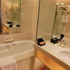 Baolilai International Hotel 5* Улучшенный номер с двуспальной кроватью фото 5