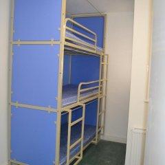 Отель Smart Brighton Beach Кровать в общем номере с двухъярусной кроватью