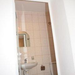 Отель Veda Guest House Болгария, Поморие - отзывы, цены и фото номеров - забронировать отель Veda Guest House онлайн ванная