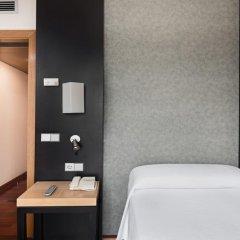 Отель NH Ciudad de Valencia 3* Стандартный номер с разными типами кроватей фото 3