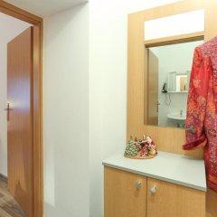 Апартаменты Queens Apartments Стандартный номер с двуспальной кроватью фото 3