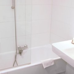Отель Carlton 3* Стандартный номер с различными типами кроватей фото 4