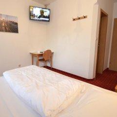 Отель Pension Garni Transit Випитено удобства в номере фото 2