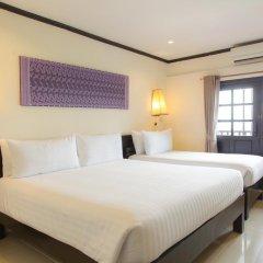 Отель Golden Tulip Essential Pattaya 4* Улучшенный номер с различными типами кроватей фото 28