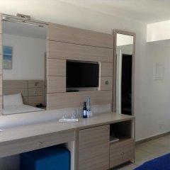 Отель Limanaki Beach Hotel Кипр, Айя-Напа - 1 отзыв об отеле, цены и фото номеров - забронировать отель Limanaki Beach Hotel онлайн удобства в номере фото 2