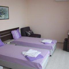 Rose Garden Omax Hotel Apartments комната для гостей