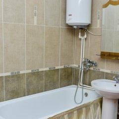 Гостиница Richhouse on Erubaeva 33 Казахстан, Караганда - отзывы, цены и фото номеров - забронировать гостиницу Richhouse on Erubaeva 33 онлайн ванная