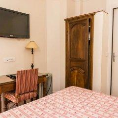Отель Hôtel Exelmans 2* Улучшенный номер с двуспальной кроватью фото 5