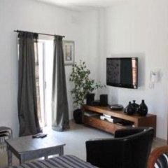 Апартаменты Luxurious Apartment in Sliema Слима комната для гостей фото 4