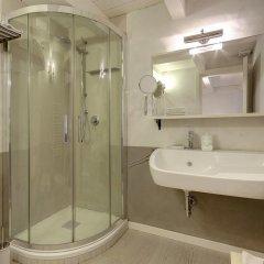 Отель LM Suite Spagna 3* Стандартный номер с двуспальной кроватью фото 31