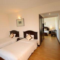 Century Riverside Hotel Hue 4* Семейный номер Делюкс с двуспальной кроватью фото 2