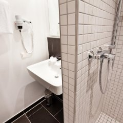 Отель LetoMotel Германия, Мюнхен - 10 отзывов об отеле, цены и фото номеров - забронировать отель LetoMotel онлайн ванная фото 2