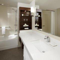 Отель Delta Hotels by Marriott Montreal 4* Стандартный номер с различными типами кроватей
