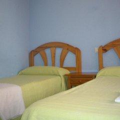 Отель Hostal Pacios Стандартный номер с 2 отдельными кроватями (общая ванная комната) фото 10