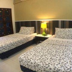 Отель Phuket Airport Suites & Lounge Bar - Club 96 Стандартный номер с двуспальной кроватью фото 6