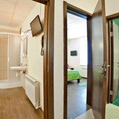 Гостиница Маринара Стандартный номер с двуспальной кроватью (общая ванная комната) фото 7