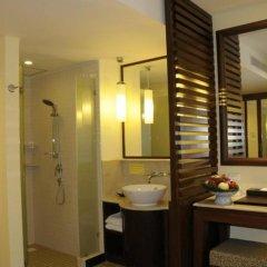 Отель Duangjitt Resort, Phuket 5* Номер Делюкс с двуспальной кроватью фото 22