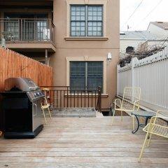 Отель onefinestay - Greenpoint private homes США, Нью-Йорк - отзывы, цены и фото номеров - забронировать отель onefinestay - Greenpoint private homes онлайн балкон