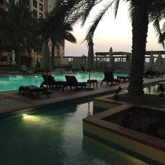 Отель Yanjoon Holiday Homes - Marina Residence бассейн