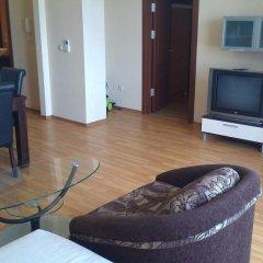 Апартаменты Millenium Facility Apartment - Different Locations in Golden Sands Золотые пески комната для гостей фото 4