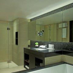 Отель Le Meridien Phuket Beach Resort 4* Номер Делюкс с двуспальной кроватью фото 2