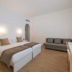 Отель NeoMagna Madrid 2* Улучшенный номер с различными типами кроватей фото 25