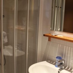 Отель Le Myosotis Франция, Париж - отзывы, цены и фото номеров - забронировать отель Le Myosotis онлайн ванная фото 2