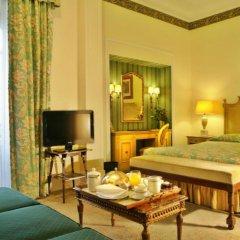 Отель Avenida Palace 5* Улучшенный номер с 2 отдельными кроватями фото 2