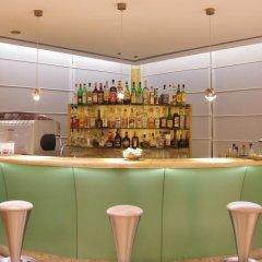 Hotel Tiffany Milano Треццано-суль-Навиглио гостиничный бар