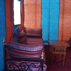 Отель Camels House Марокко, Мерзуга - отзывы, цены и фото номеров - забронировать отель Camels House онлайн интерьер отеля фото 3