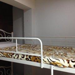 Отель Dd Guesthouse & Backpacker Кровать в общем номере фото 2